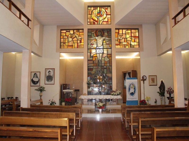 cappella interna con altare